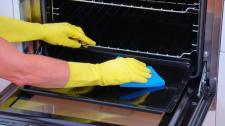 Comment nettoyer votre four facilement